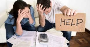 Resultado de imagen para persona con deuda medicas